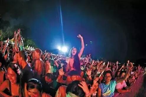 这是一个盛大party 一场欧式风情音乐的狂响体验 一次发现卡美丽亚